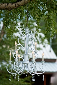 outdoor-wedding-venue-chandelier-wedding-reception-decor